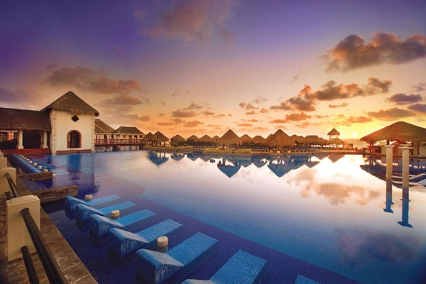 now sapphire, the name of the host resort for mayan holidaze.     http://mayanholidaze.com/