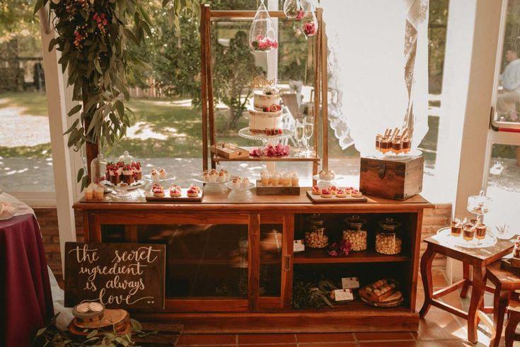 Mesa de dulces Aquarela Cakes en la preciosa boda de Jacomar y Maria José en Los Jardines de la Cabaña, Cádiz. PERALES fotografia.  . #losjardinesdelacabaña #fotografiadebodas #fotografocadiz #fotografosevilla #reportajebodas #cateringboda #aquarelacakes