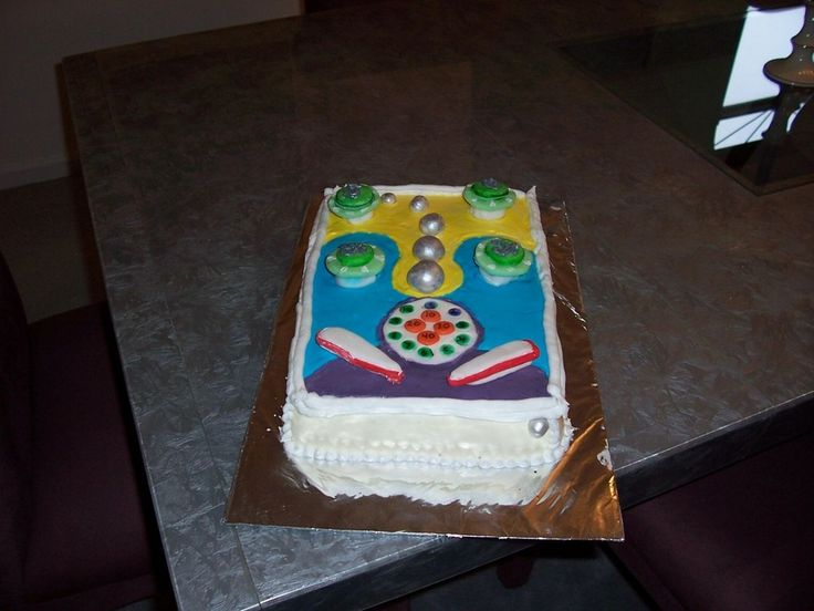 Rectangular Cake Decoration Ideas : 7 best images about Pinball cake on Pinterest Fondant ...