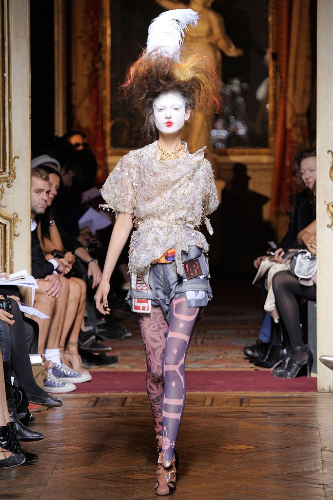 Vivienne Westwood Spring 2010 Ready-to-Wear - Collection - Gallery - Look 1 - Style.com