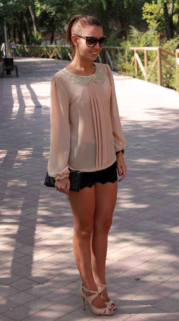 Beige/peach peasant top + black shorts (scalloped)