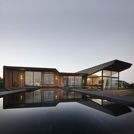beached house, victoria, australia: Beautiful Private, Residential Architecture, Bkk Architects, Dreams Houses, Architecture Inside Outside, Australian Beaches, Modern Houses, Beaches Houses, Outdoor Pools