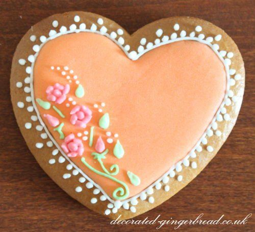 Edible wedding favour heart  My second favourite cookie design.