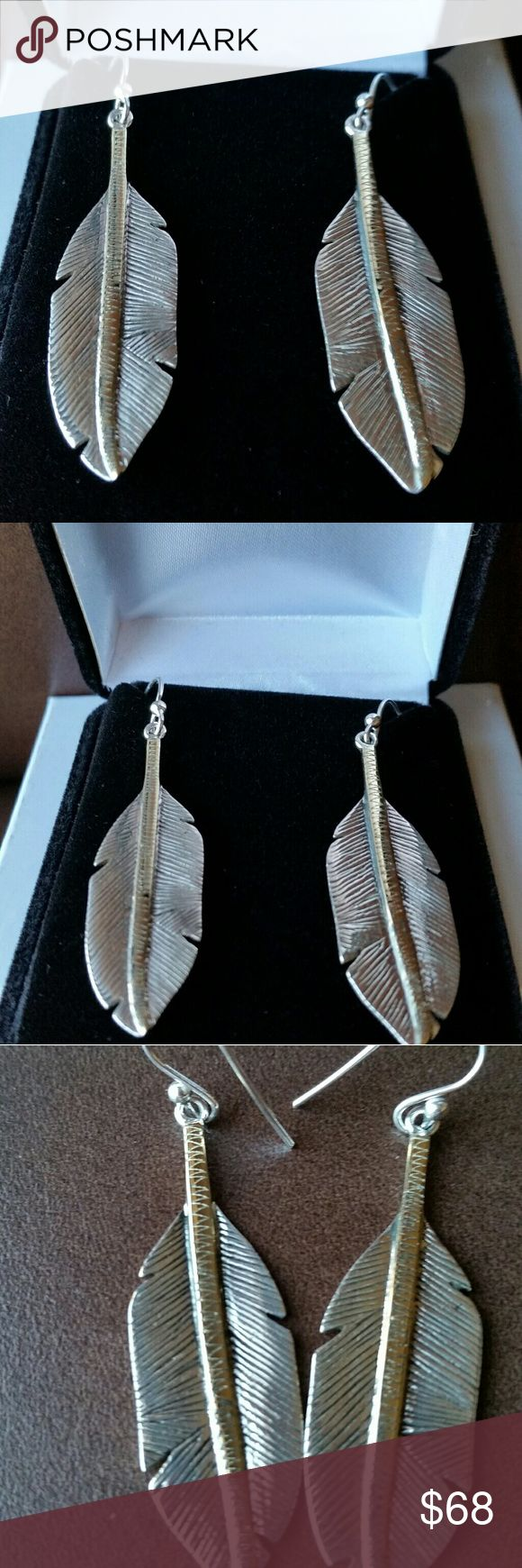 NEW .925 silver feather earrings w 14K gold accent Oxidized sterling silver with 14K plated over sterling silver middle accent. Comes in beautiful velvet box perfect for gifting and storage. Price is firm unless bundled. Jewelry Earrings