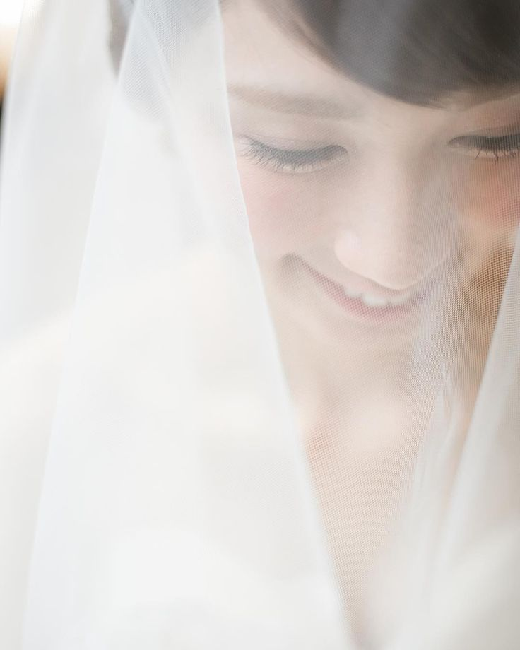 . Real wedding . . photo by @fukuoka_laviephotography . . #QUANTIC#quanticwedding#quanticdress#photography#weddingphotography#wedding#weddingdress#instagood#クアンティック#ウェディングドレス#ウェディング#プロポーズ#ウェディングベール#結婚#結婚式#結婚式準備#天神#福岡#プレ花嫁#福岡花嫁#卒花#結婚式レポ#ウェディングレポ#日本中のプレ花嫁さんと繋がりたい#ドレス迷子#2017夏婚#2017秋婚 http://gelinshop.com/ipost/1518650733959696182/?code=BUTVMvfjc82