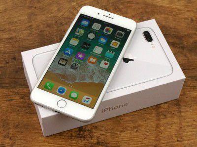 Обзор Apple iPhone 8 Plus  Здравствуйте, сегодня к нам на обзор попал слишком неоднозначный продукт яблочной компании из Купертино - iPhone 8 Plus. Вся мировая пресса пестрит заголовками о том, что компания Стива Джобса не показала ничего нового, а новое устройство - технологический провал. Так ли это? Что нового в нём? Какие изменения от 7-ой версии? Так ли он заслужил номер 8 Plus, вместо 7SPlus. Насколько он проигрывает модели X? А также мнения и оценки наших экспертов в нашем обзоре…