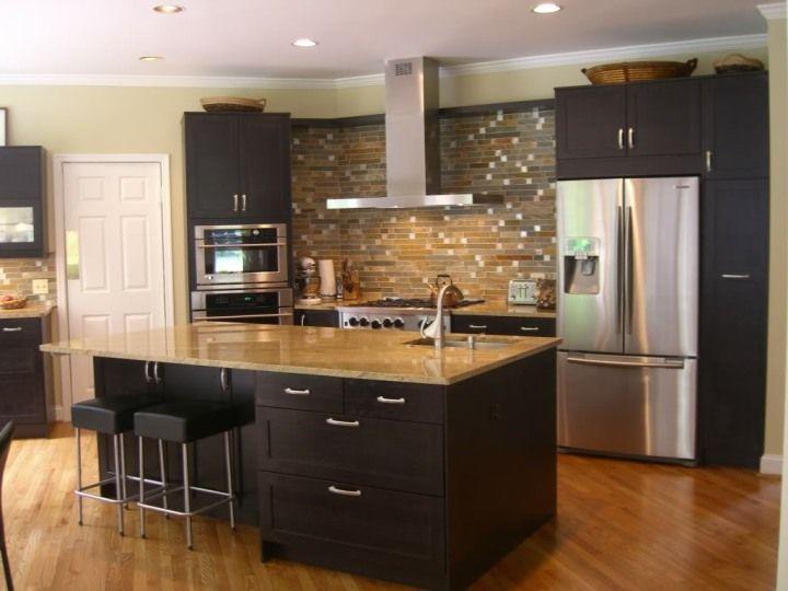 Ανακαίνιση κουζίνας σε σκούρους τόνους