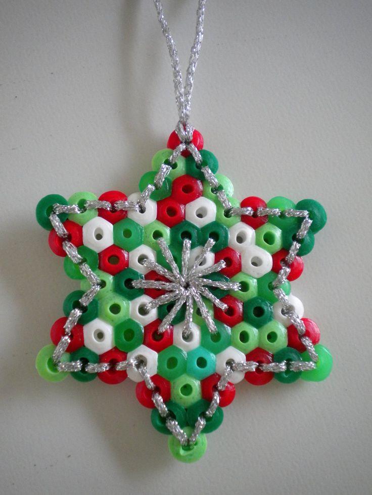 http://freubeldingetjes.blogspot.nl/2012/12/kersthangertjes-en-omas-gebreide-deken.html