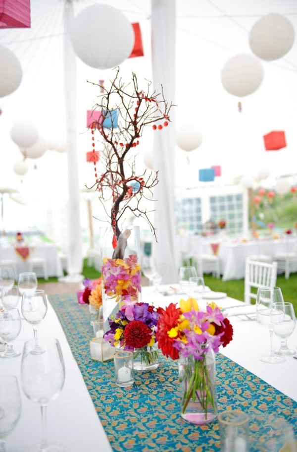 pretty table decor ideas for an outdoor #indian wedding