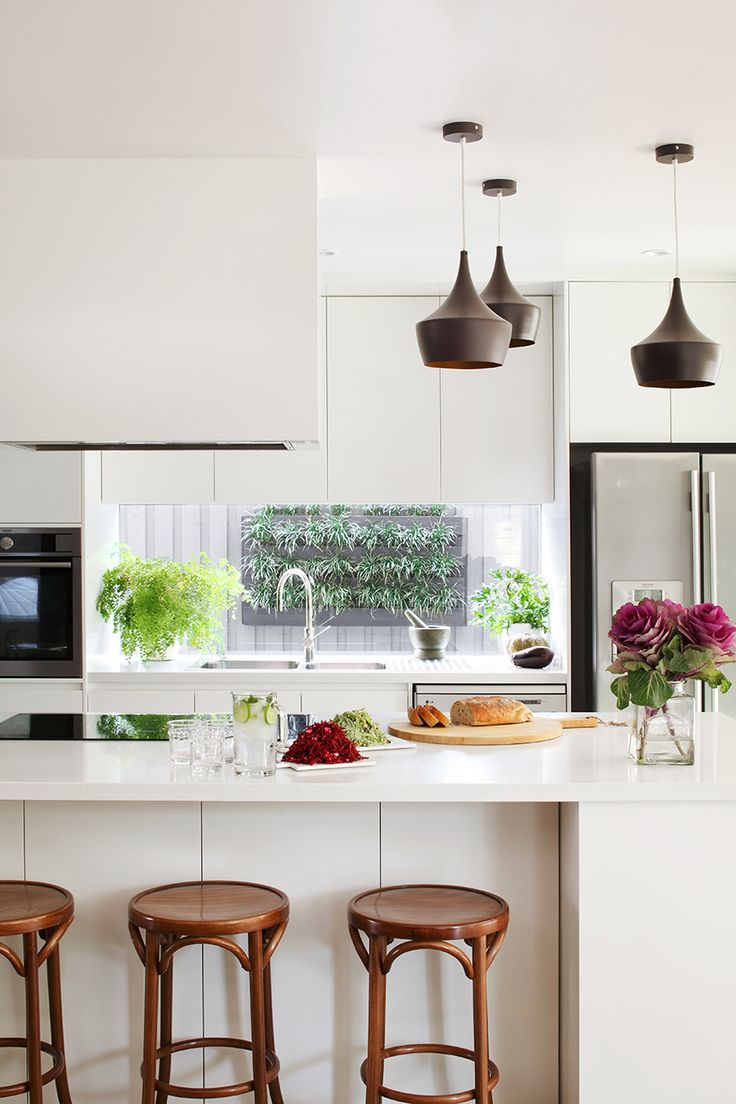 House to Home » Queensland Homes Blog | White-on-white with dark accents – a chic way to open up your kitchen!