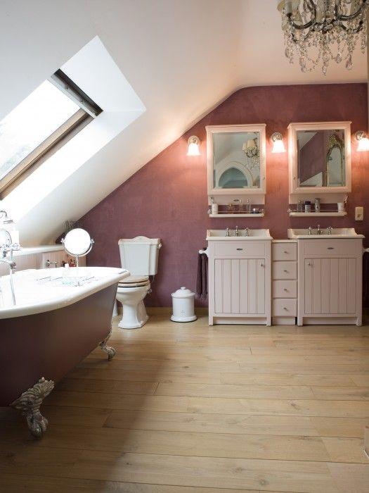 landelijk badkamermeubel - bad op pootjes - landelijke badkamer  Taps & Baths