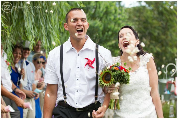 Wedding at Old Mac Daddy, Elgin. Popcorn confetti. Confetti photos. Carnival wedding. ZaraZoo Photography