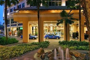 www.orchardparadehotelsingapore.com  orchard parade hotel singapore