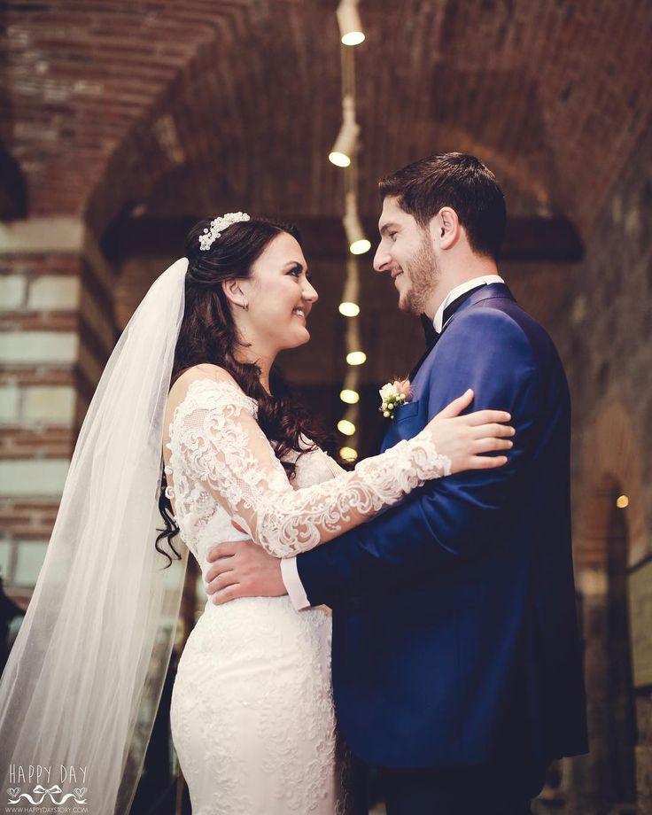 Happy Day Story #happy #day #damat #dugun #story #wedding #makeup #hair #justmarried #black #gelinlik #monokrom #goodmorning #weddingdress #white #groom #bride #happydaystoryy #happydaystory #happaydaywedding #bridesmaid #love #savethedate #bridesmaid http://gelinshop.com/ipost/1523885260030247143/?code=BUl7ZHyjoDn