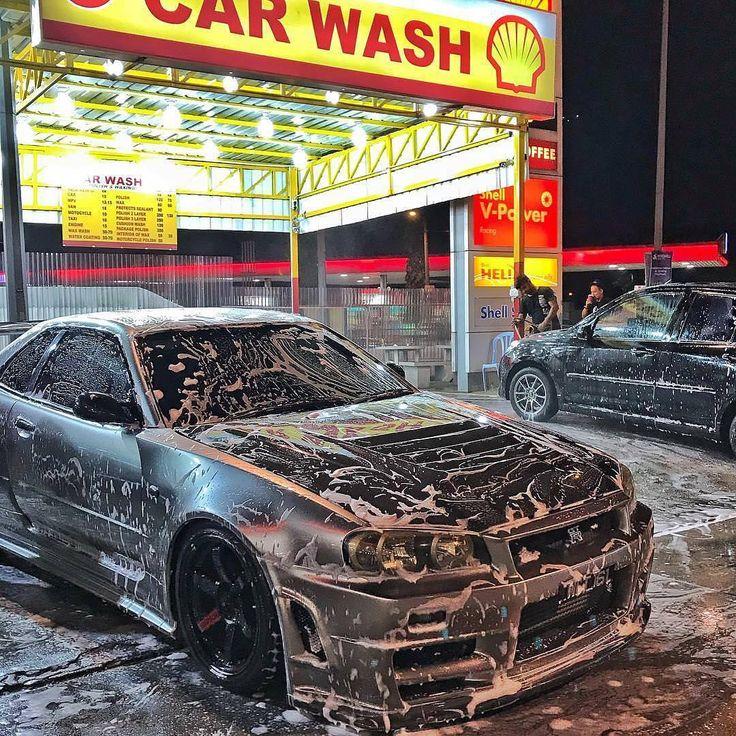 Nissan R34 Skyline GT-R gets a bath [1080x1080] via Classy Bro