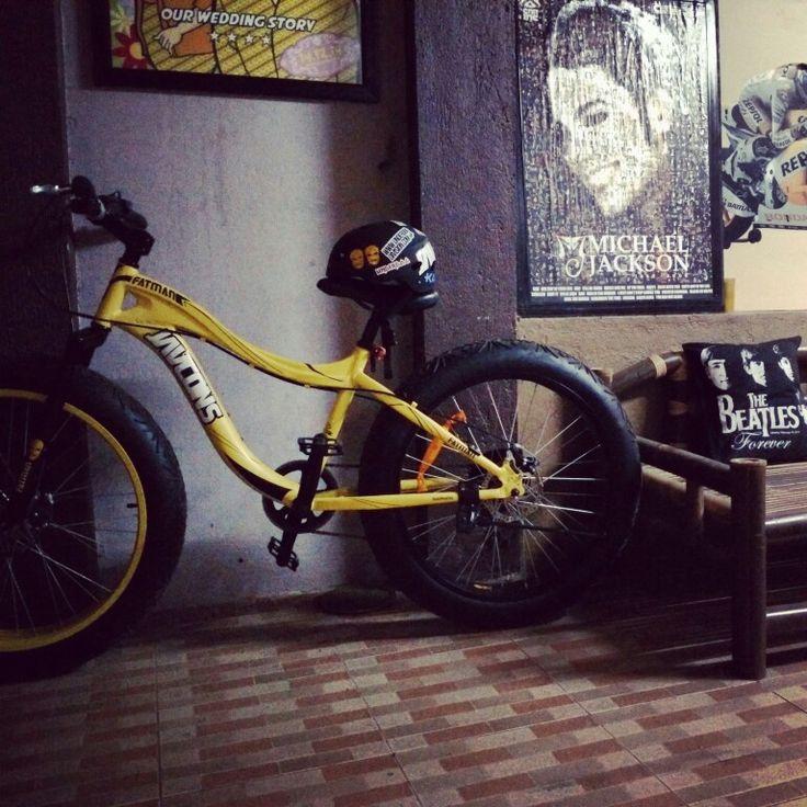Javcons Fatbike on parking #bicycle#photography#cyclingisfun