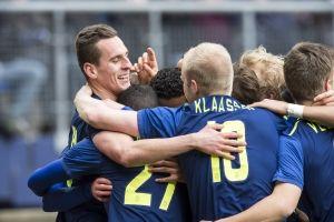 Ajax is er op overtuigende wijze in geslaagd om drie punten te pakken tegen sc Heerenveen. In Friesland werd het 1-4 voor de ploeg van Frank de Boer, onder meer dankzij een uitstekende start van de wedstrijd.