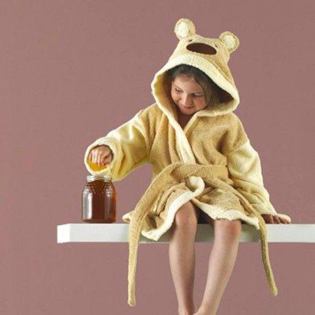 Albornoz Teddy. Enamórate del diseño infantil de oso ideal para tus hijos con el albornoz Teddy de la firma Rizo Basic con capucha bordada con la cara del simpático oso en color beig. Máxima absorción y protección gracias a su rizo algodón 100%. Lavar por separado colores intensivos. Medida:  Capucha talla 4 Capucha talla 6