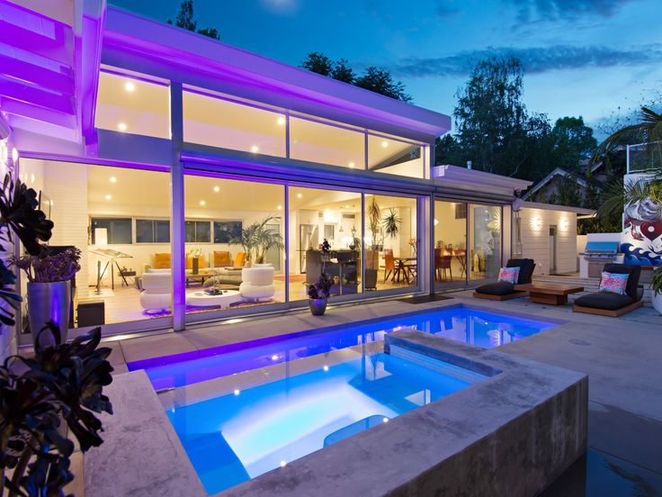 304 best collection pools images on pinterest for Los angeles homes for sale with pool