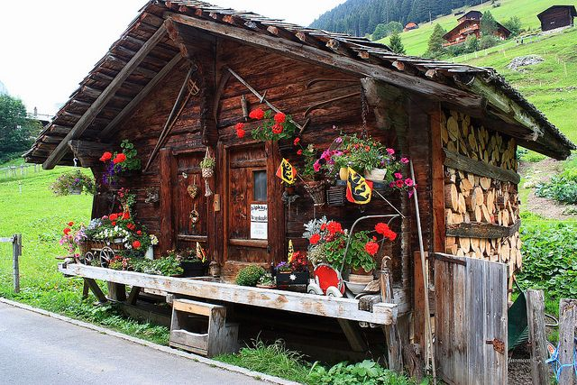 cute little house - like an AT house