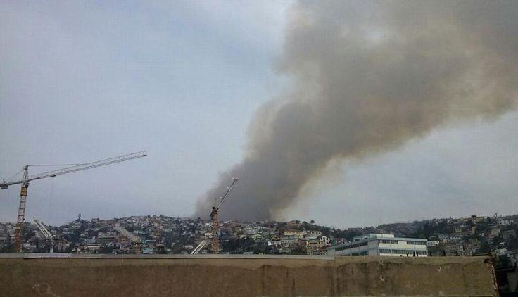 #Incendio forestal en la ciudad chilena de #Valparaiso