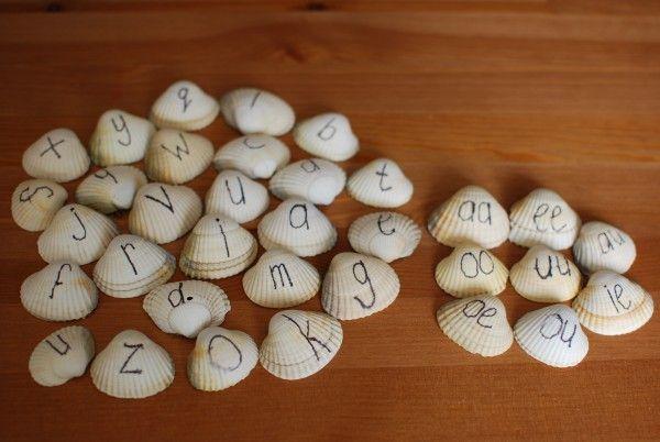 Schelpen met letters