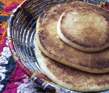 Här är ett recept på ett spännande och nyttigt marockanskt bröd. Allt du behöver är rågsikt, jäst, salt, vatten och lite tid. Det marockanska brödet är lika gott till frukost som till en måltid!
