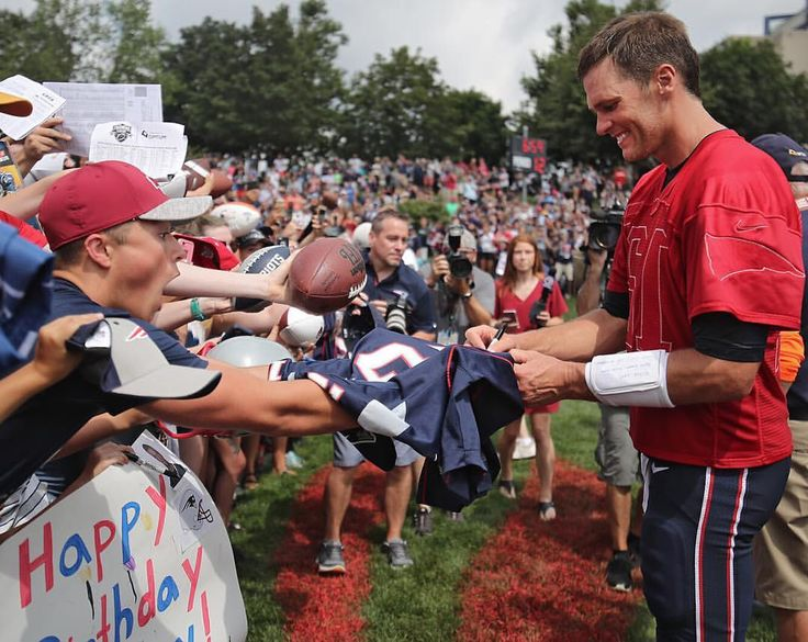 """356 Likes, 1 Comments - The Boston Globe (@bostonglobe) on Instagram: """"See more at @bostonglobesports -- By Matthew J. Lee/Globe Staff -- New England Patriots quarterback Tom Brady signs an autograph on his jersey after practice on his 40th birthday."""