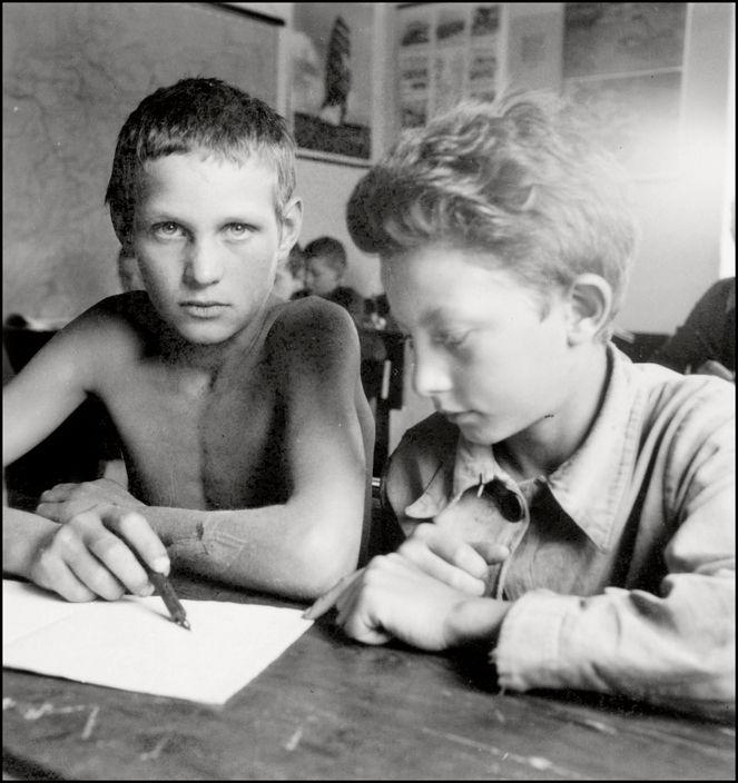 Герберт Лист, 1943 год. Школа в поселении меннонитов на острове Хортица в Запорожье.