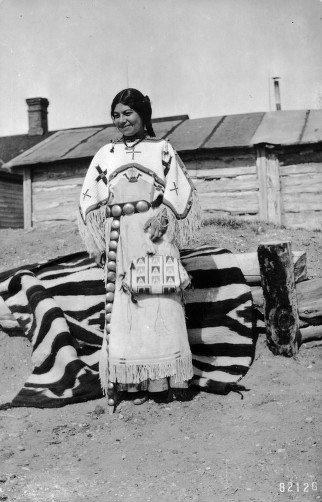 Oglala woman - circa 1900