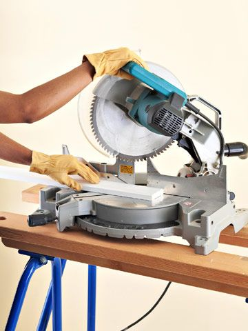 how to cut molding with a circular saw