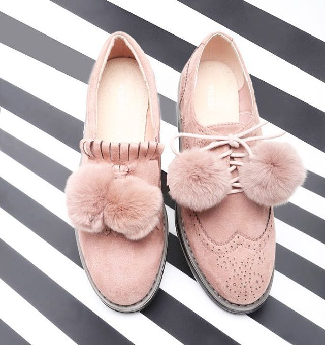 New on on stock! Are you ready for new collection? 💕 #vices #shoes #goodvibes #newcollection #staytuned #b2b #newmodels #shoestagram #shoesaddict #follow
