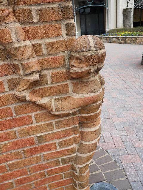 Esculturas de ladrillo por Brad Spencer