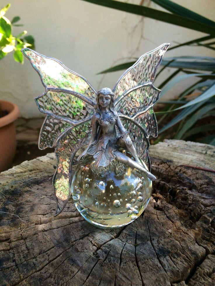 Een persoonlijke favoriet uit mijn Etsy shop https://www.etsy.com/listing/252008681/tiffany-angel-glass-fairy-tiffany