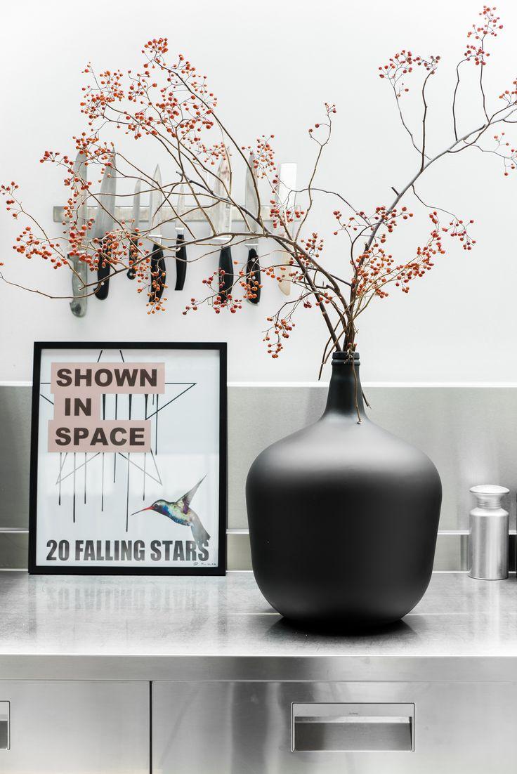 Deze vaas is een decoratie op zich. De matte verf geeft de vaas een mooi effect! #vase #decoration