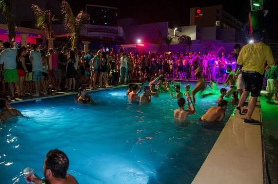 What Makes Hard Rock Cancun The Best All Inclusive Resort Cancun Mexico Resorts Hard Rock Cancun Hard Rock Hotel Cancun