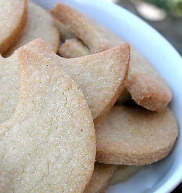 Lune di quinoa e frumento | http://www.ilpastonudo.it/biscotti/lune-di-quinoa-e-frumento/