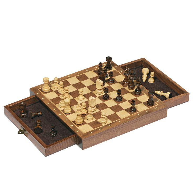 Magnetisch schaken van hout.Ben je klaar om een grootmeester te worden? Begin dan direct met schaken. De schaakstukken kunnen gemakkelijk worden opgeborgen in het bord. Afmeting: 25 x 25 x 3,5 cm - Magnetisch Schaakset