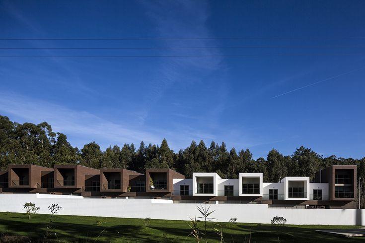 Casas no Corisco / RVdM Arquitectos