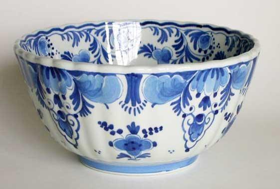 """Porceleyne Fles Delft Blue 7"""" Diameter Bowl Signed 1969, Holland"""