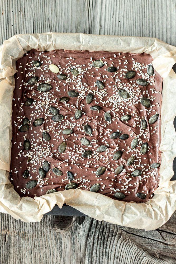 Amaranth-Dattel-Riegel mit ein wenig Schokolade