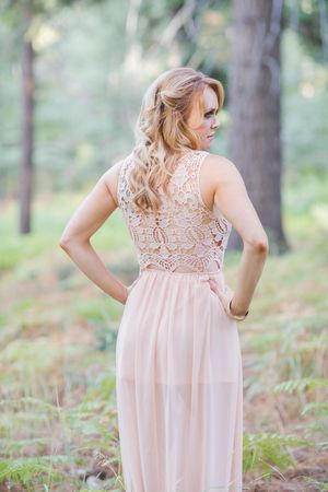 Soft & feminine fashion ideas for the bride. Abbey Lunt Photography for Bisou Bride - Big Bear Lake