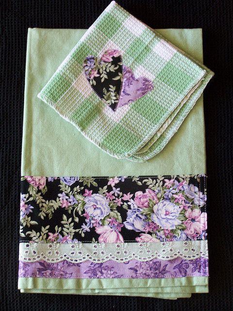 Kitchen towel set- So Pretty! | Flickr: Intercambio de fotos