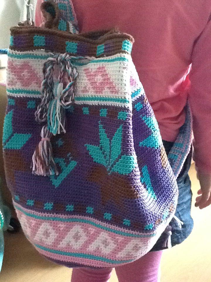 Mochila-tas, patroon van Facebookpagina 'Mochila look-a-like haken'