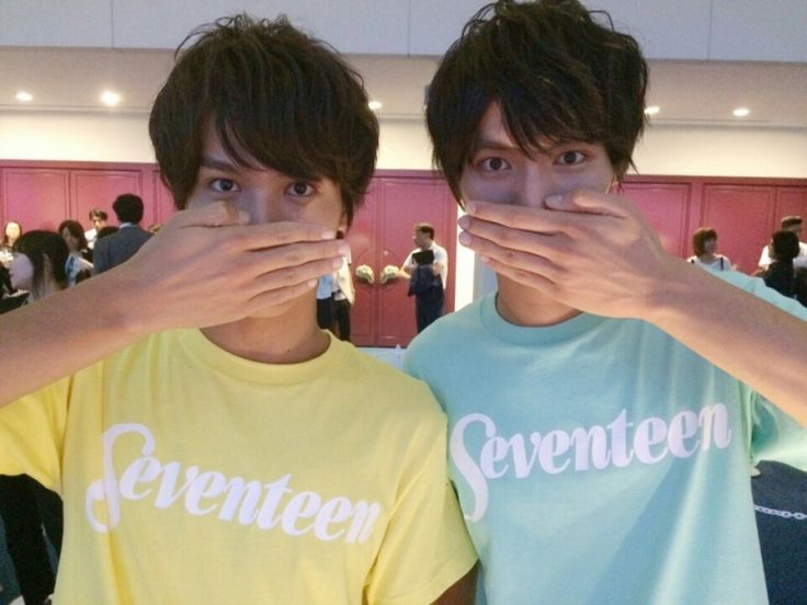 """""""Question! Which is which?"""" Taishi was said a lot this year as well that you n Sota looked so much alike. lol Sota Fukushi x Taishi Nakagawa, girl's magazine """"Seventeen"""" Fes, Aug/25/'15"""