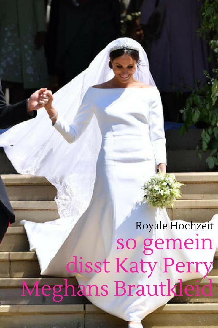 Royale Hochzeit Katy Perry Disst Meghan Markle S Brautkleid Cosmopolitan Hochzeit Braut Hochzeit Harry Und Meghan