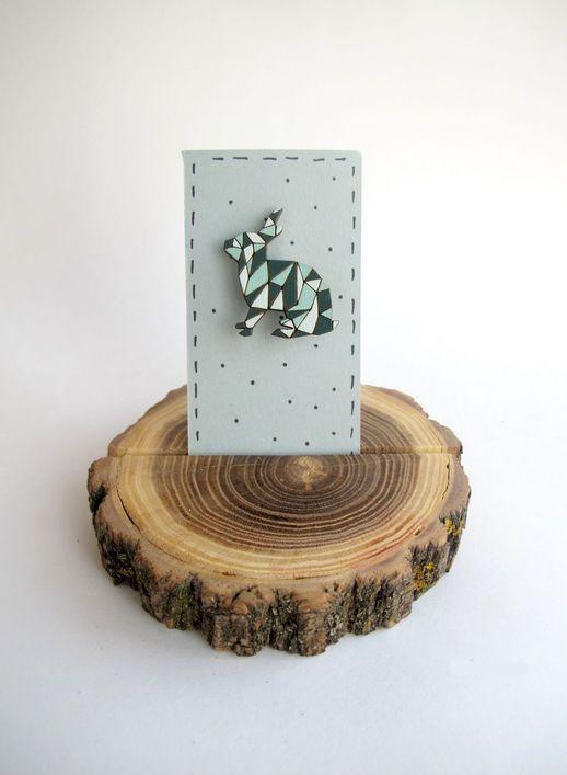 Деревянный значок Зайчик