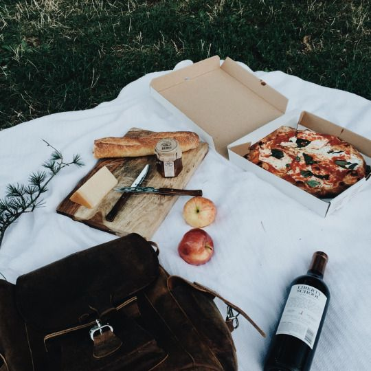 Pizza picnic: pick up a pizza on your way out, bring some fruit and snacks, drinks