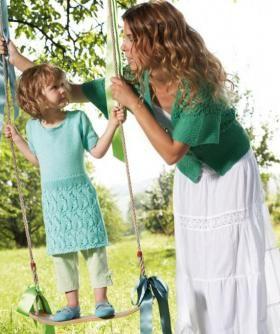 Милое платье спицами для девочки, выполненное из летней хлопковой пряжи мятного цвета. Вязание платья начинается от нижнего края по кругу...