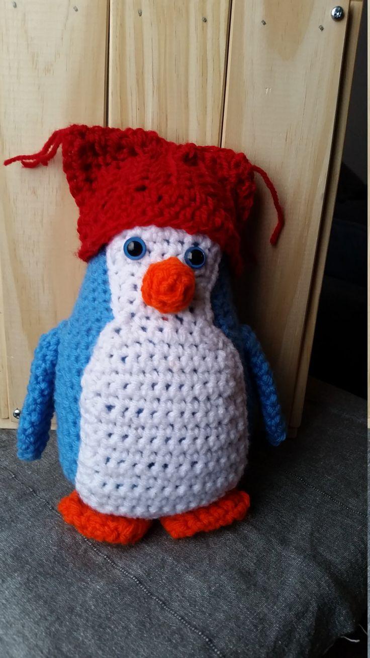Peluche Pingouin/ toutou en laine pingouin bleu/ jouet pingouin en laine bleu/ Décoration Pingouin /amigurimi de la boutique Woolfilicrochet sur Etsy